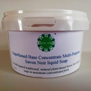 photo of tub of Savon Noir base concentrate 500g